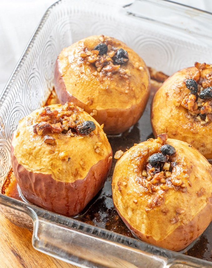 Easy Fall Tea-Baked Apples are the ultimate fall dessert!