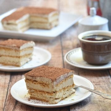 Icebox cake with espresso mousse and graham crackers