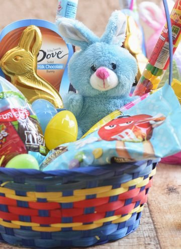 M&M's Chocolate Chip Cookie Skillet plus FREE Easter Labels Printable