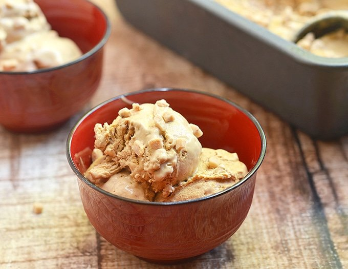 No-churn coffee ice cream with toffee bits