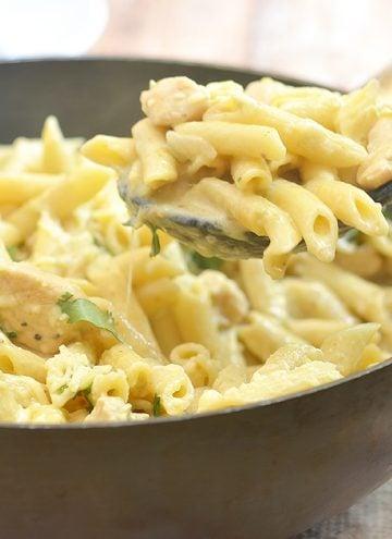 One-Pan Creamy Salsa Verde Chicken Pasta