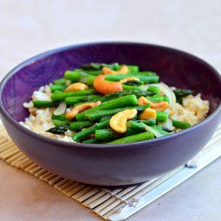 Asparagus and Cashew Stir-fry