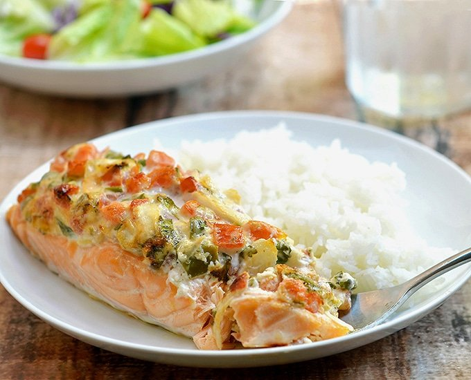 Salmon with Salsa Mayo Topping topped with fresh salsa and mayonnaise. Super moist and full of flavor, it's a quick and easy weeknight dinner the whole family will fight over.