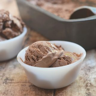 No-churn Chocolate Ice cream made with only 3 ingredients and no ice cream maker needed. Creamy and with the most intense chocolate flavor, it's a must for summer!
