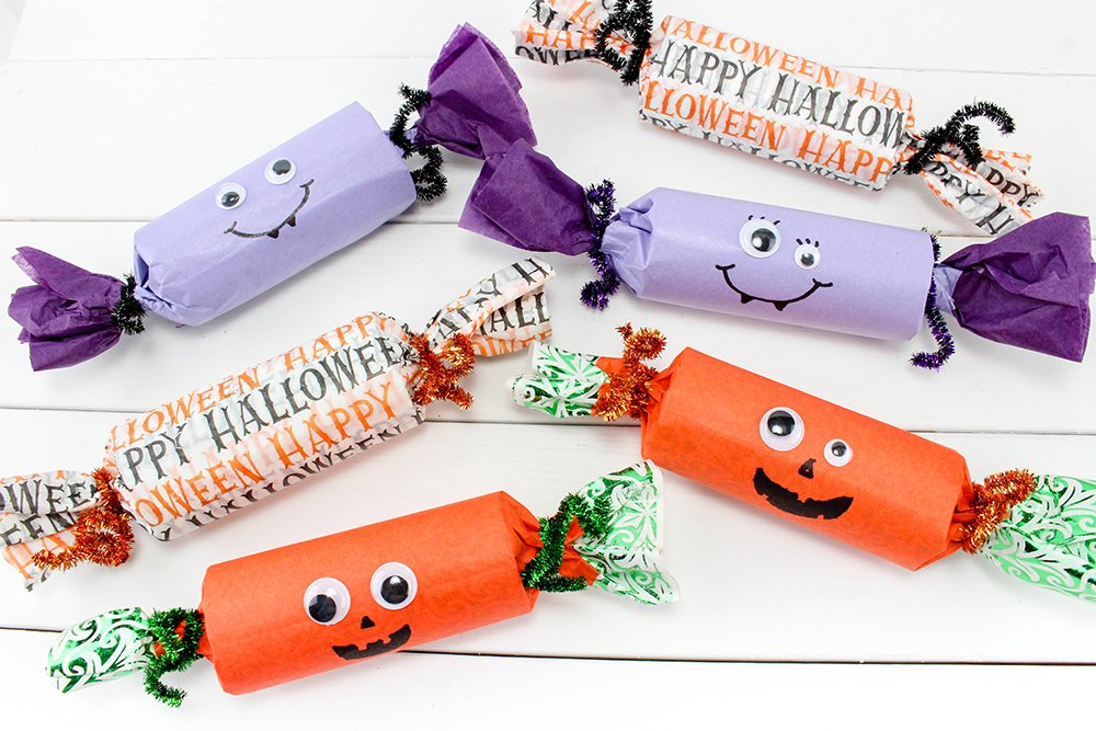 Halloween Party Poppers are a fun Halloween party craft filled with candy--an easy party decoration DIY