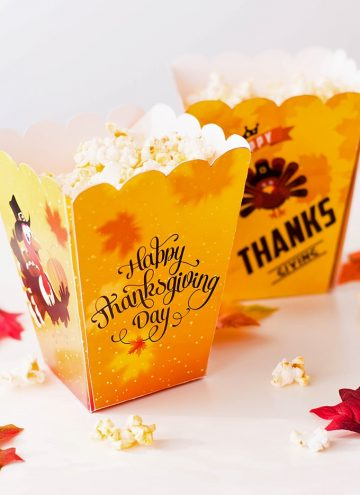 Thanksgiving popcorn boxes filled with popcorn