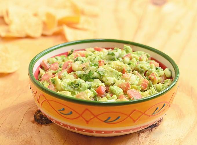 Easy Guacamole Dip in a bowl