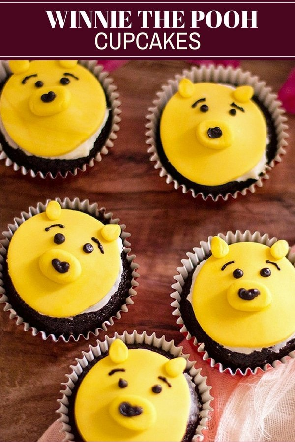 Winnie the Pooh Cupcakes with chocolate flavor and fondant