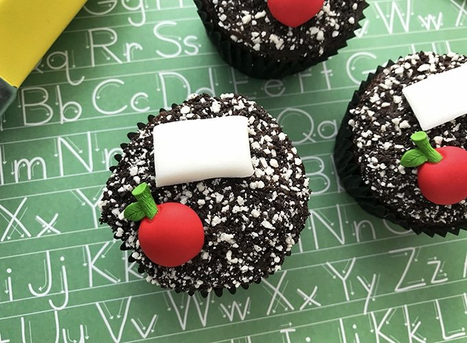 Composition Notebook-inspired Back-to-School Cupcakes
