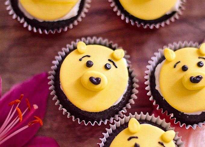 how to make winnie the pooh out of fondant