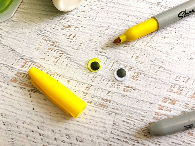 color googly eyes with yellow marker
