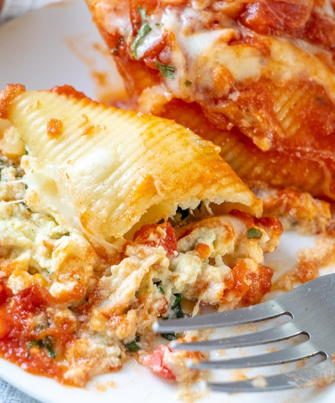 Who can resist this cheesy dinner of stuffed pasta shells with mushrooms, spinach and ricotta?