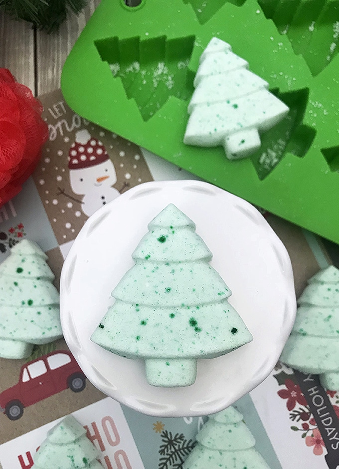Homemade Christmas Tree bath bombs make perfect DIY gifts for the holidays