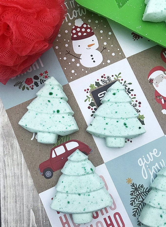 DIY holiday bath bombs in a christmas tree shape