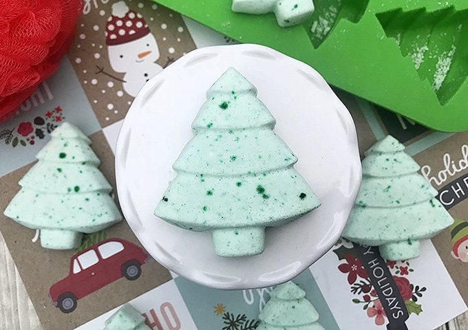 Christmas Tree Bath Bombs are a perfect holiday gift that says